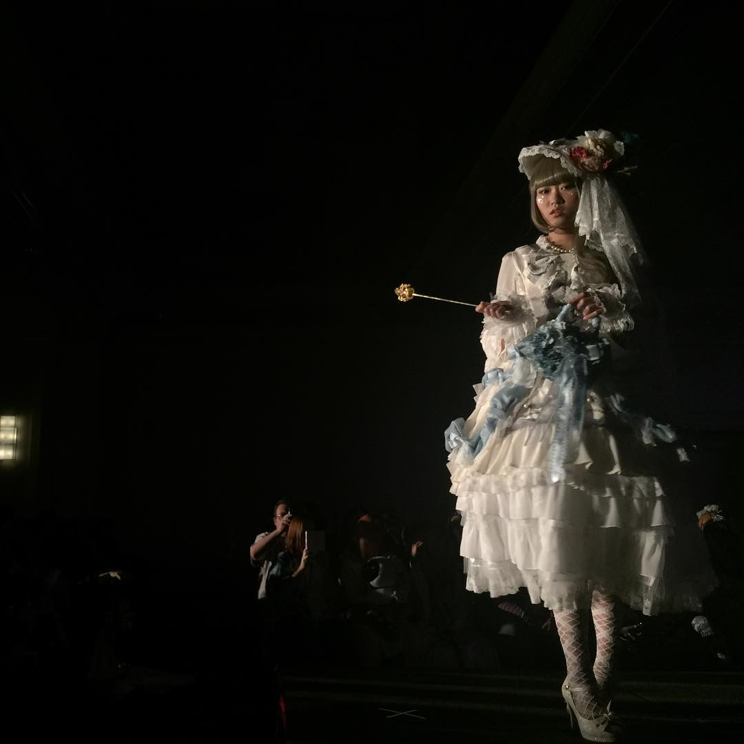 Ikkicon 2016 – Lolita Fashion Show [Video]
